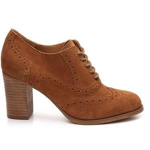 Steve Madden lace-up oxford suede omyra pump 6.5